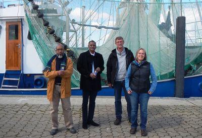 Lemhaba Ould Yarba, Maitre Aly Mohamed Salem, Jutta Leyrer and Gerold Lüerßen. Hacen el-Hacen.